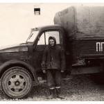 Девушка на фоне ГАЗ-51 (50е годы XX века)